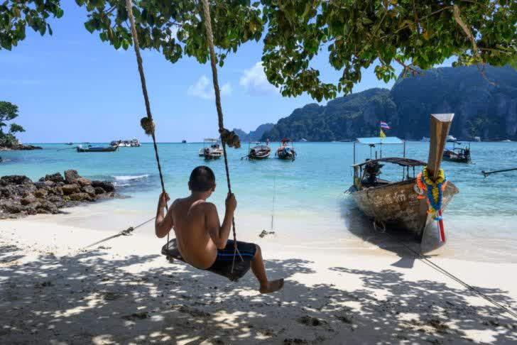 """Thai gov't supports """"Tourism Aid"""" to boost domestic tourism"""